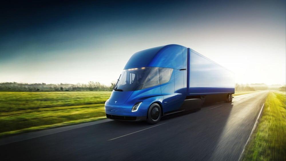 Elon Musk presenta el Tesla Semi, su camión eléctrico con 800 km de autonomía