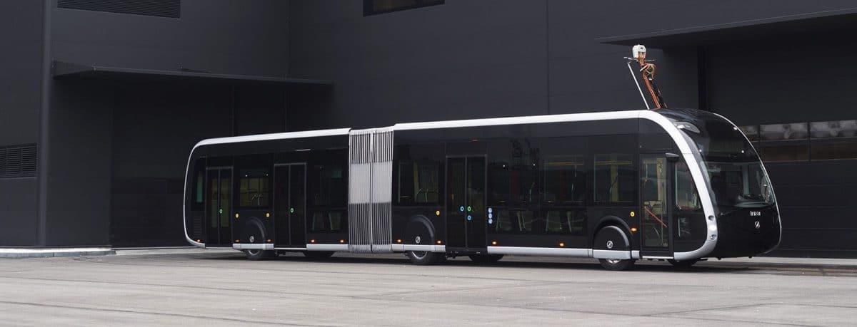 ie tram; el nuevo autobús eléctrico inspirado en los tranvías de la española Irizar