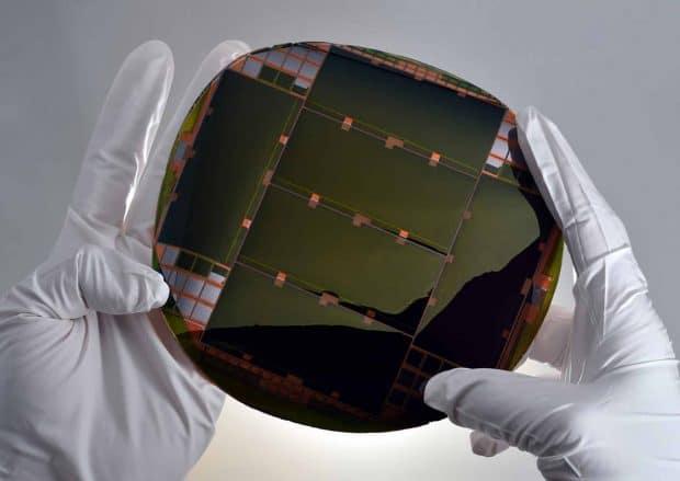 Células solares más eficientes del mundo, usadas en satélites espaciales