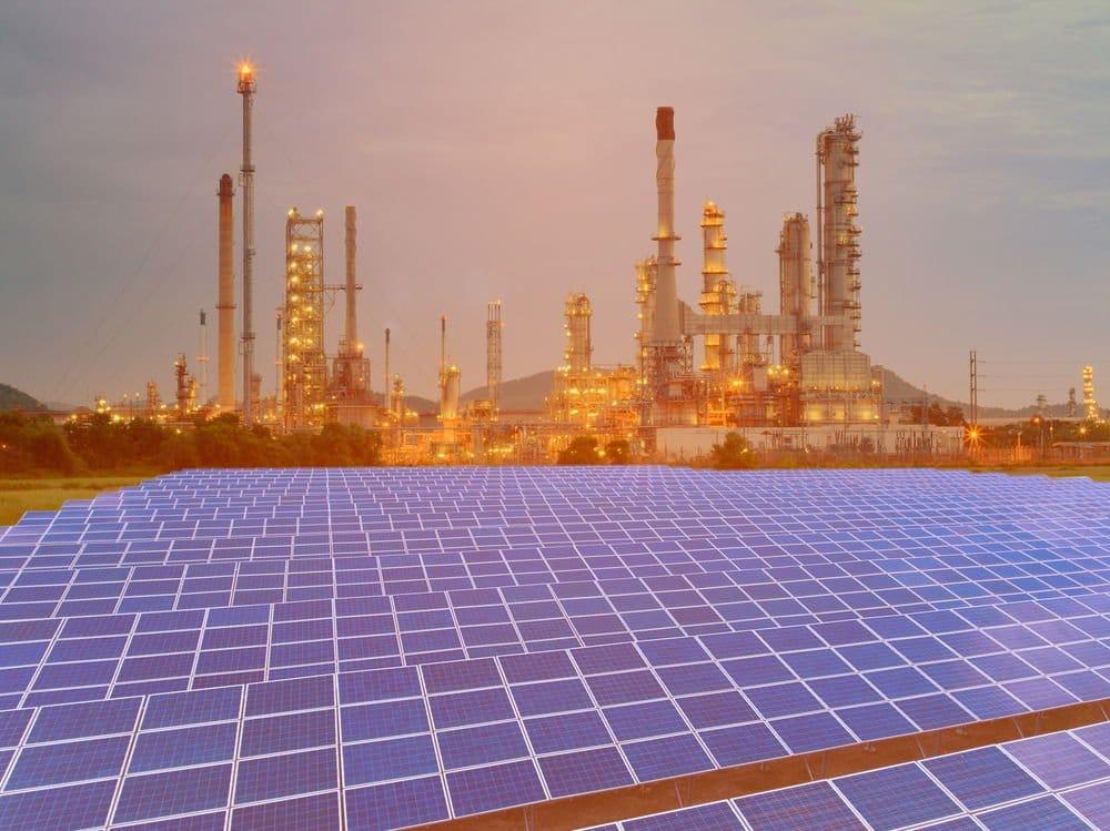 Una petrolera promueve la mayor planta solar de California para la extracción de petróleo