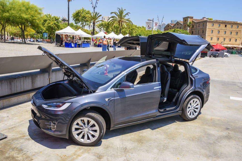 Tesla-model-x-cohe-electrico