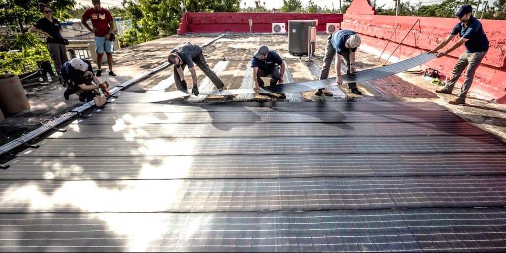 La fundación Star Trek y el MIT llevan el agua purificada solar a Puerto Rico