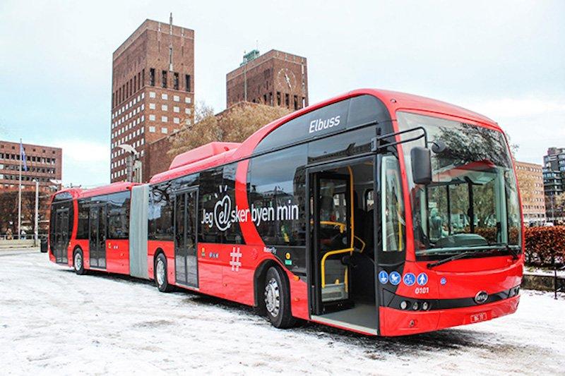 Noruega pone en servicio los dos primeros autobuses eléctricos articulados de Europa