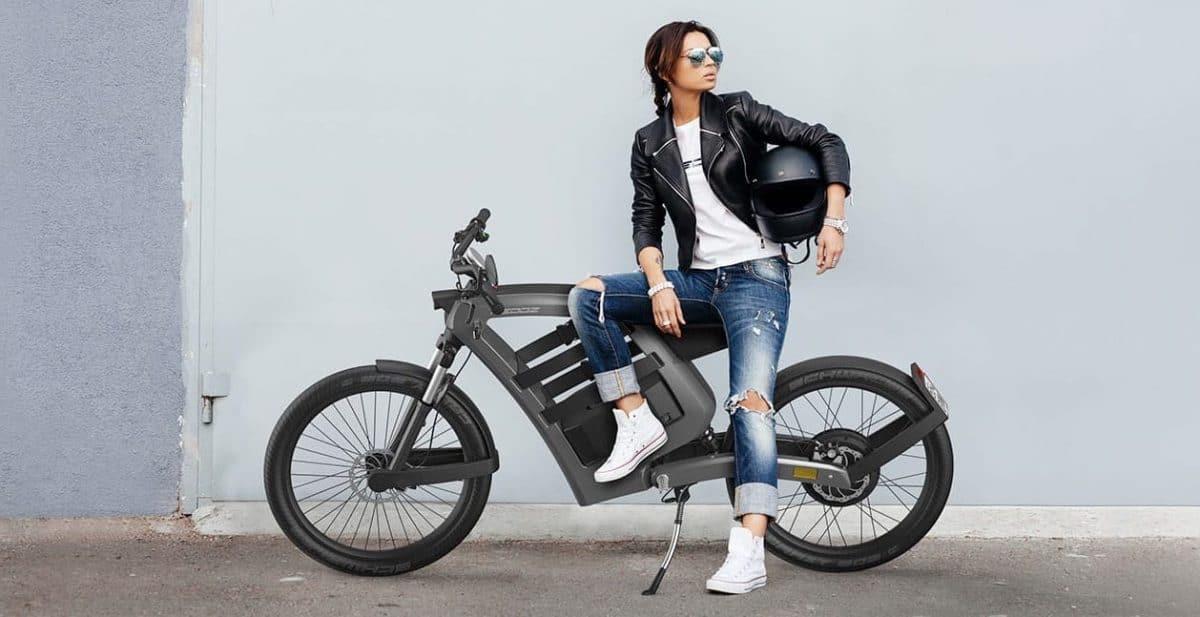 FEDDZ, una motocicleta eléctrica rebelde con un diseño inusual