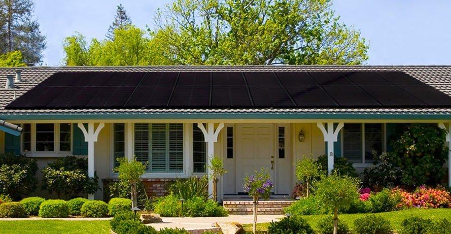 Un panel solar totalmente negro logra una eficiencia del 19,4%