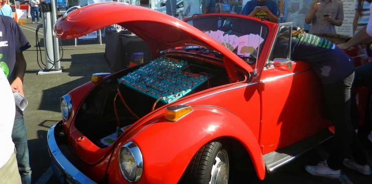 Convertir un viejo coche en uno eléctrico, la vía más asequible hacia la e-movilidad