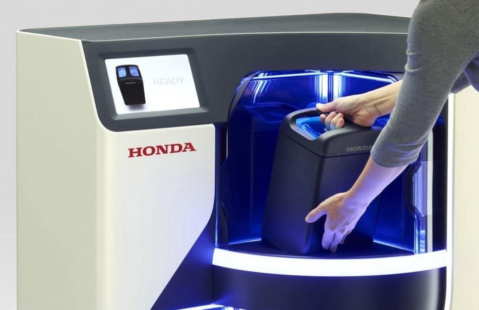 Honda plantea máquinas expendedoras de baterías intercambiables para motos eléctricas