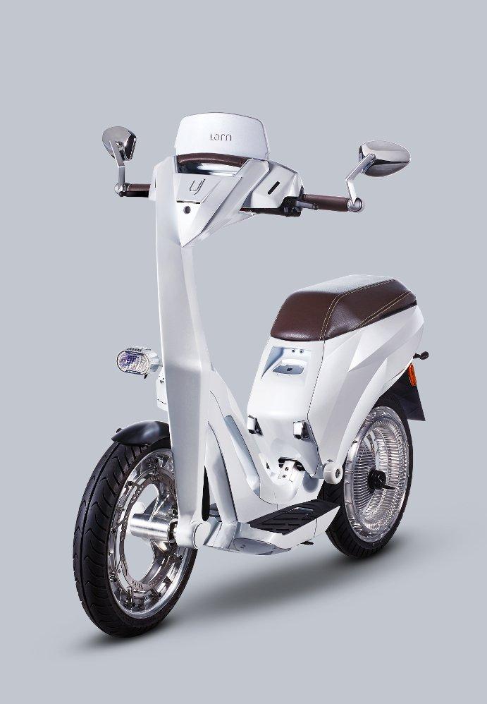 Ujet, un nuevo scooter eléctrico plegable