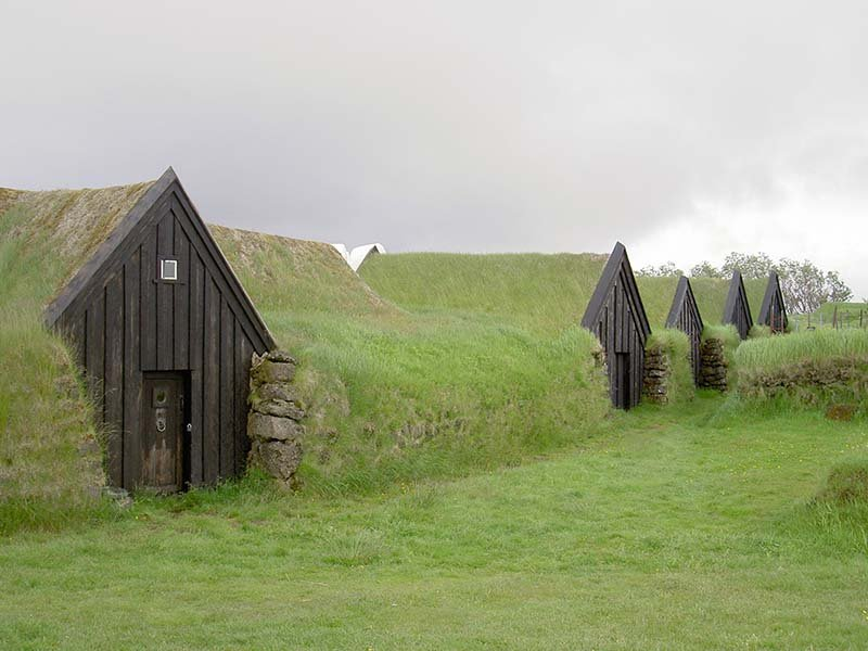 Casas Turf, viviendas bajo el césped islandés