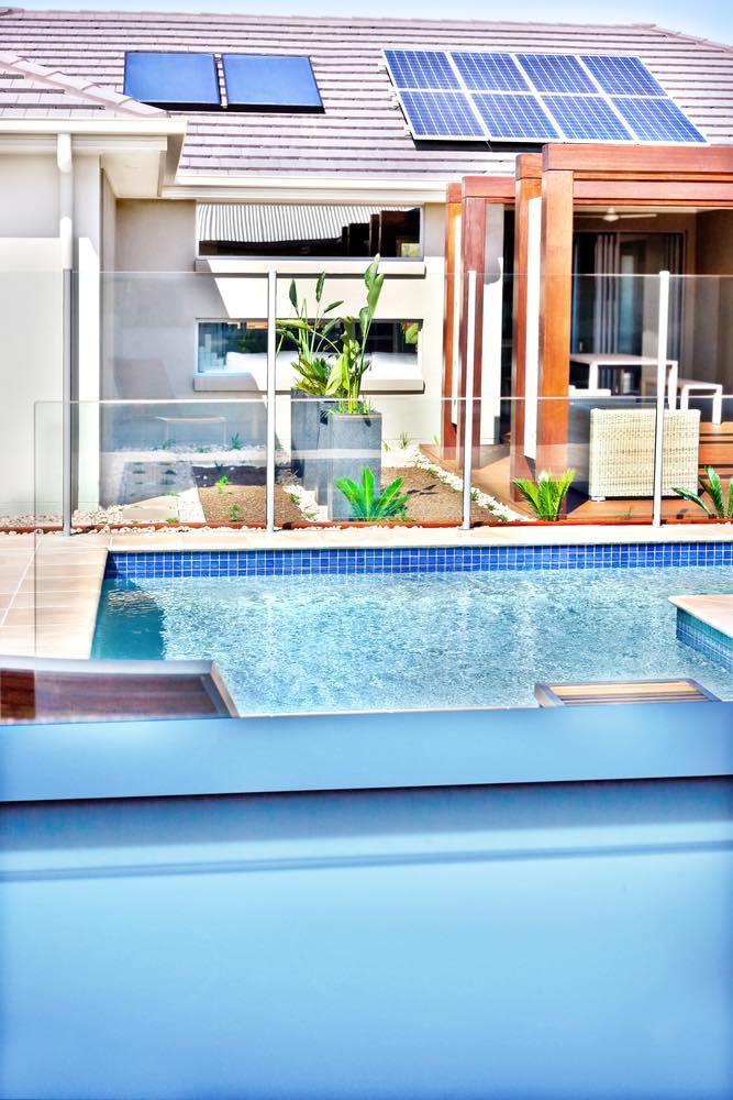 Cómo aprovechar la energía solar para calentar el agua de una piscina