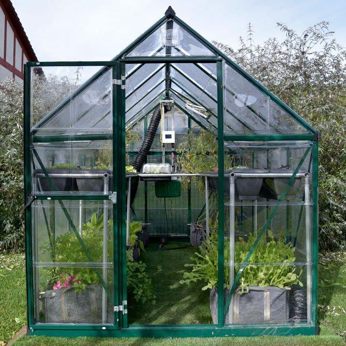 IOGreenhouse, el primer sistema de invernadero inteligente para el hogar