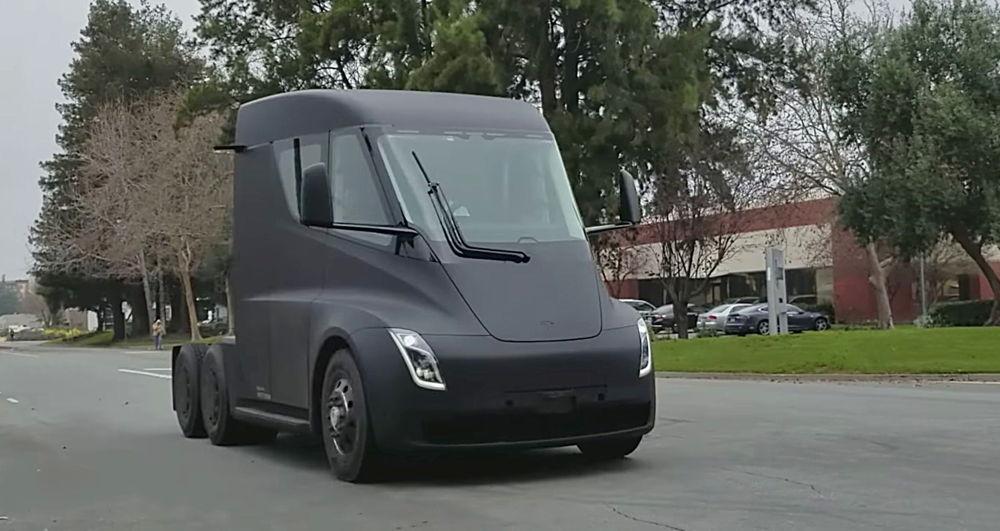 DHL estima que en año y medio amortizará la compra de los camiones eléctricos de Tesla