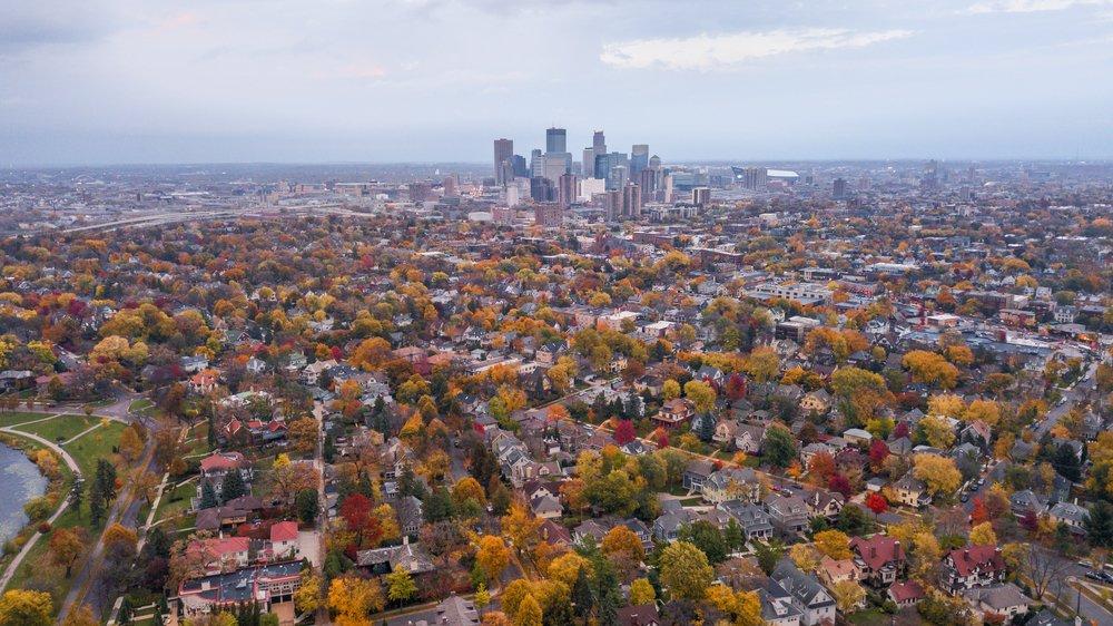Minneapolis se convierte en la 65ª ciudad de EE.UU. en firmar su compromiso de consumo 100% renovable