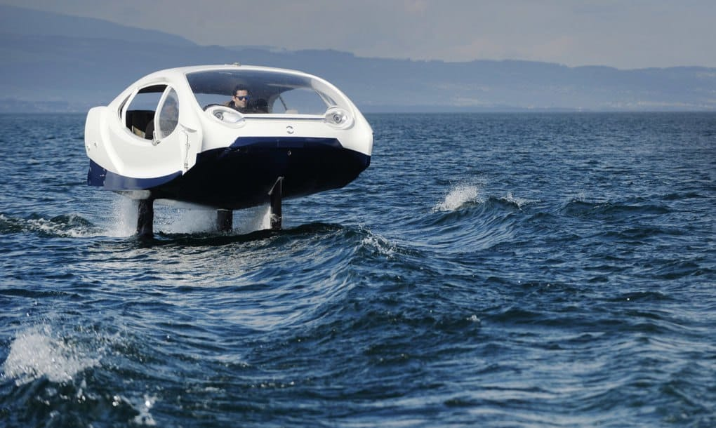 Un coche eléctrico acuático cero emisiones
