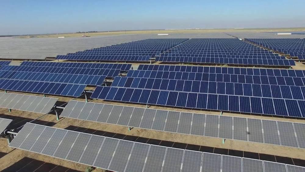 As 237 Se Limpian 86 442 Paneles Solares A Vista De Dron