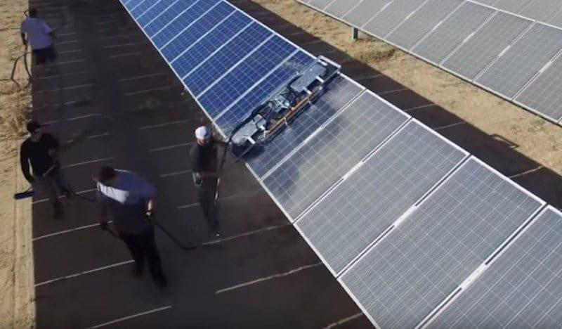 Sistema de limpieza de paneles solares