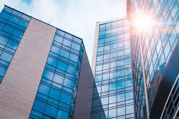 Nuevas ventanas que generan electricidad solar y aislamiento térmico