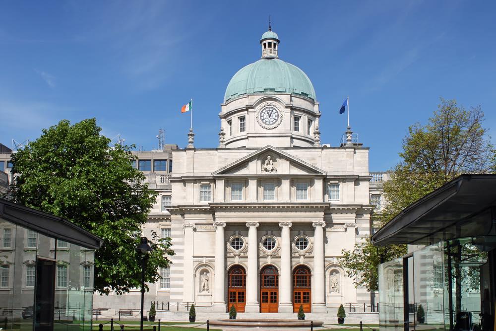 Irlanda en camino de convertirse en el primer país en eliminar inversiones en combustibles fósiles