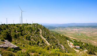 El pueblo de Valencia que decide salir de la red eléctrica y vivir sólo con energías renovables