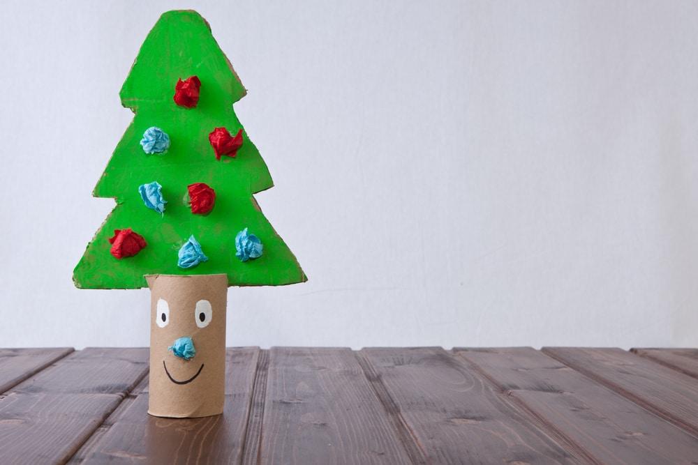 Dibujos De Arboles De Navidad Pintados.31 Ideas Para Tu Arbol De Navidad Con Materiales Reciclados