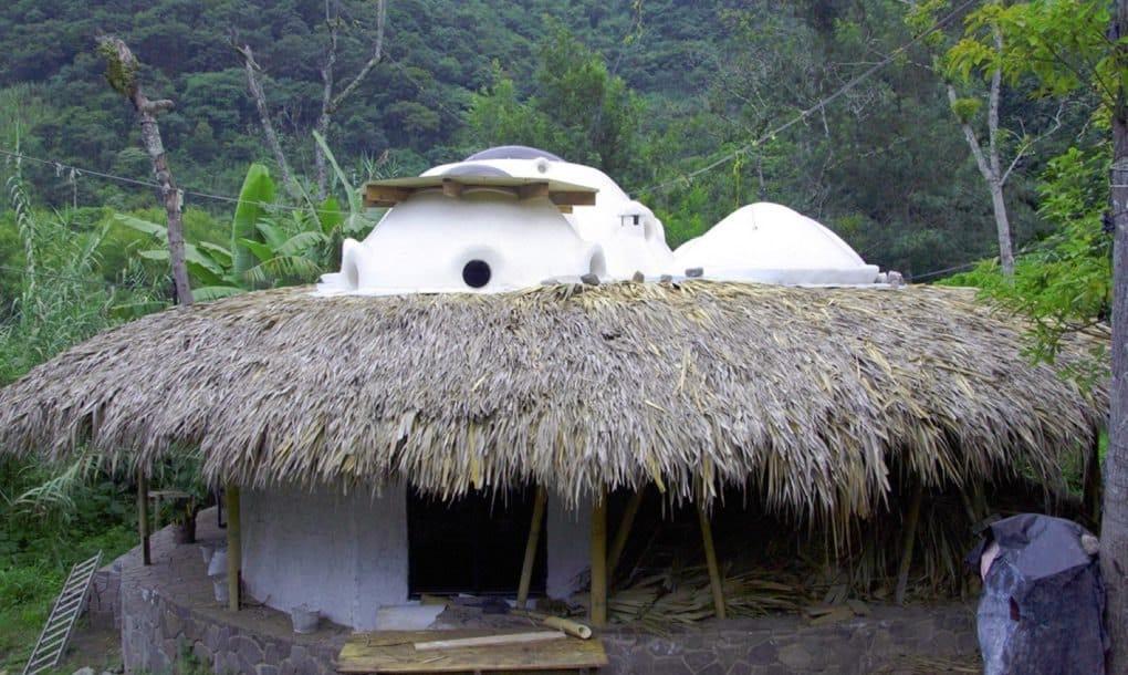 Casas-con-domos-biofílicos