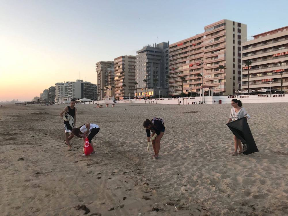 Limpieza-playa-cadiz