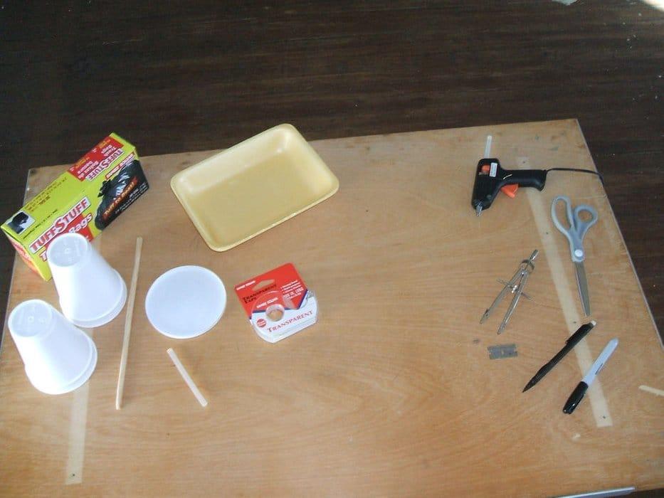 Cómo hacer un motor solar térmico materiales
