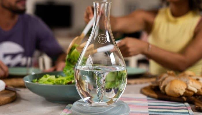 MAYU mejora la calidad del agua del grifo gracias a un remolino