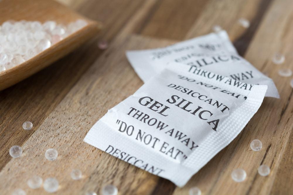 Qué hacer con las bolsas de gel de sílice