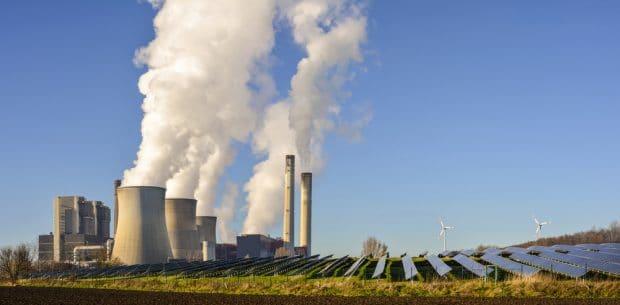 Central térmica y parque solar en Alemania.