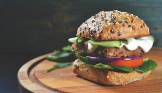 La mejor hamburguesa que comerás en tu vida está hecha de plantas
