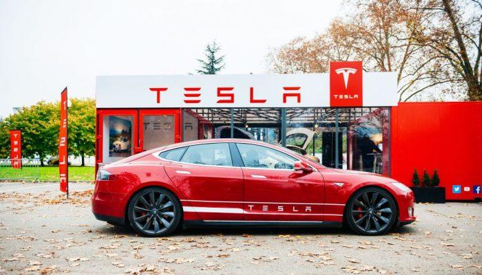 Tesla ayuda al planeta liberando todas sus patentes