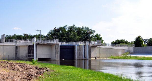 Compuerta canales que protegen Nueva Orleans