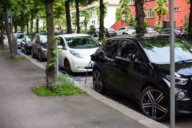 Coches eléctricos en las calles de Oslo