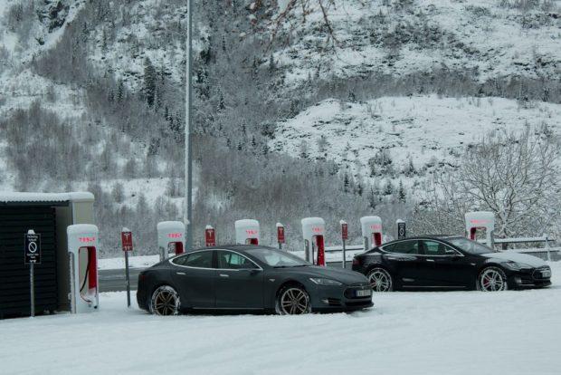 Estación carga Tesla en Noruega