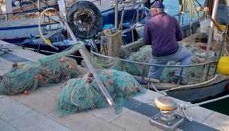 Salva Mare, la guerra de los pescadores italianos contra los residuos plásticos comienza