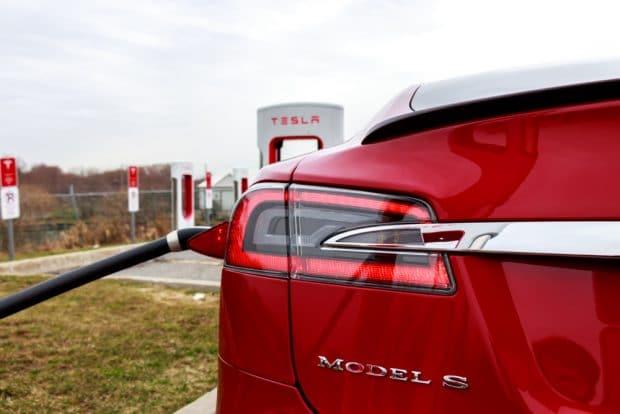 Tesla Model S en carga