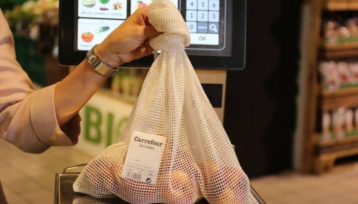 Carrefour España cambia bolsas de plástico por bolsas de algodón