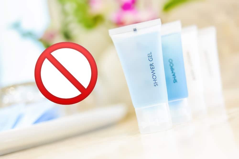 Phohibido-accesorios-plastico-baños-hoteles