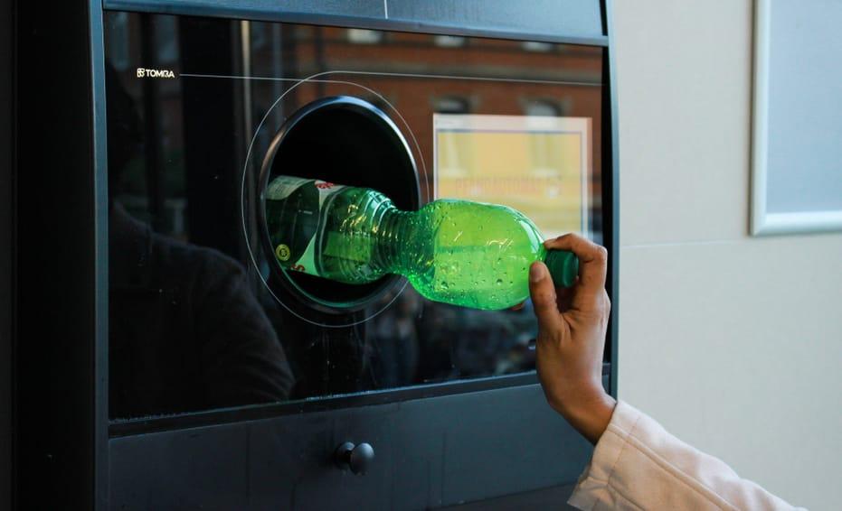 Cinco céntimos por cada botella de plástico devuelta en Portugal