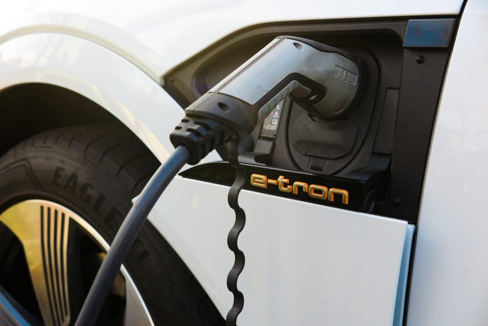 Audi E-Tron carga