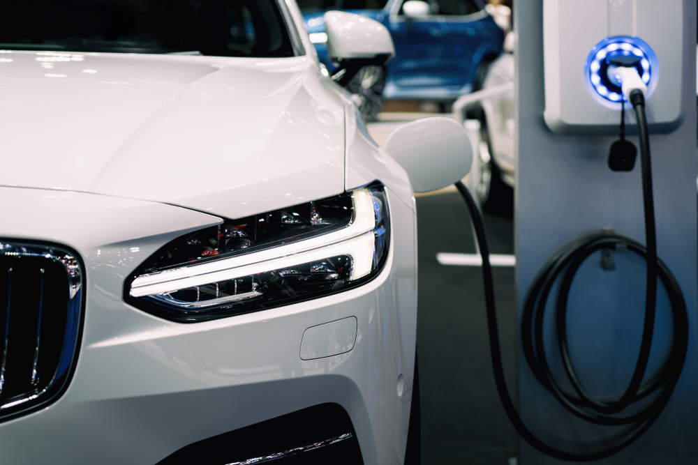 Carga-lenta-para-coches-el%c3%a9ctricos