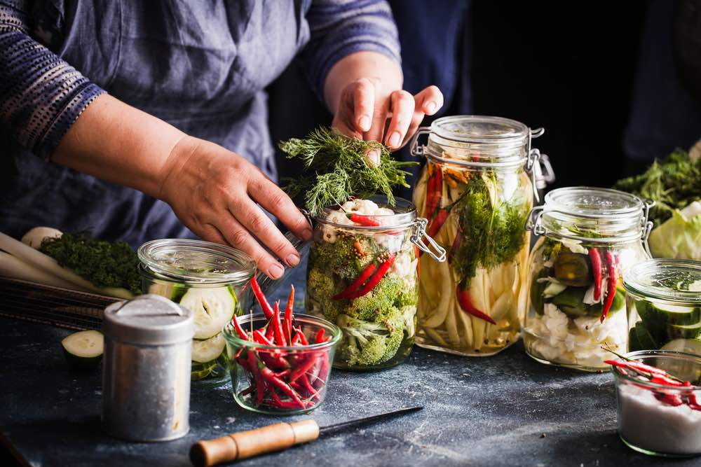 Cómo hacer conservas de vegetales y frutas en casa