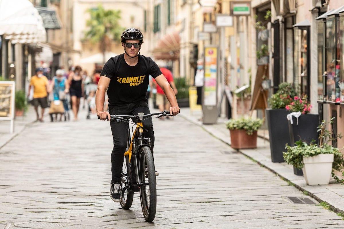 Ducati lanza su bicicleta de trekking e-Scrambler, para la ciudad y para el campo