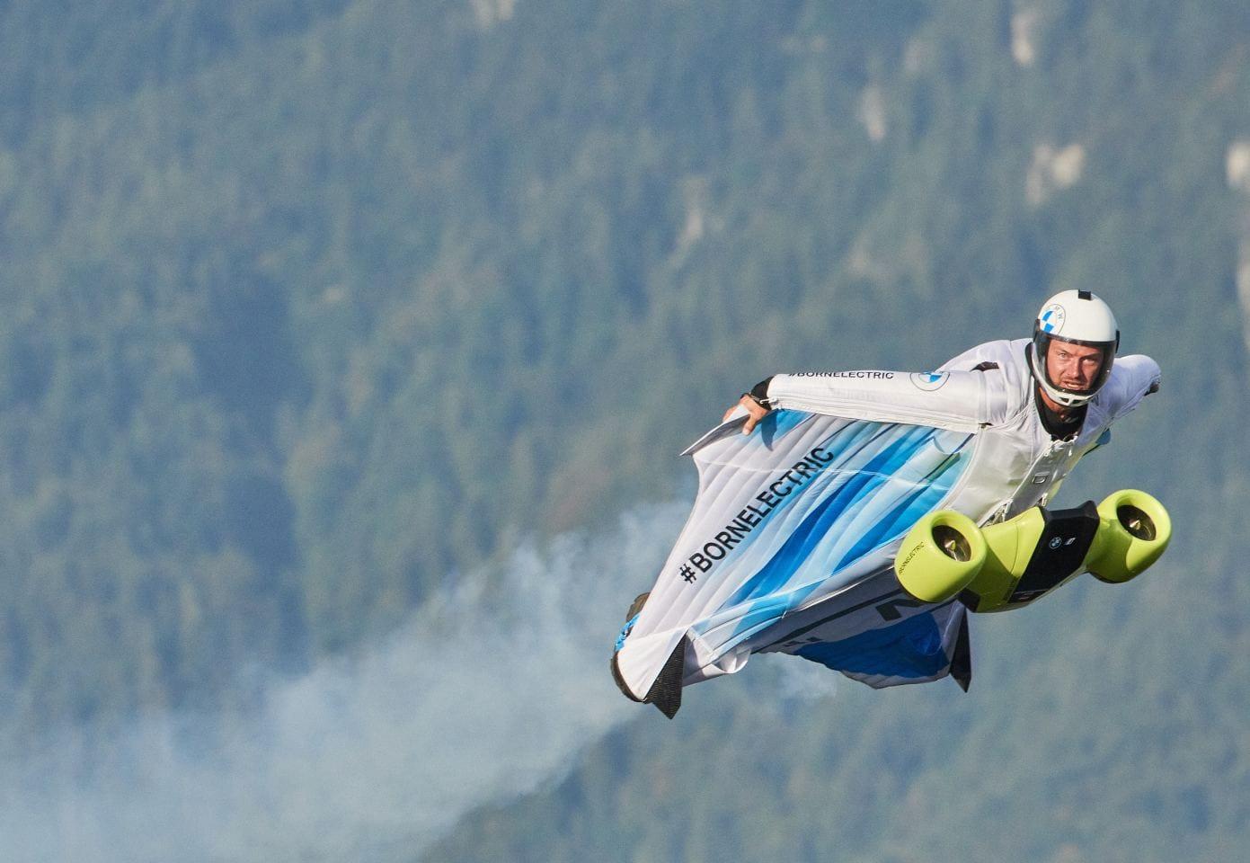 Electric-wingsuit