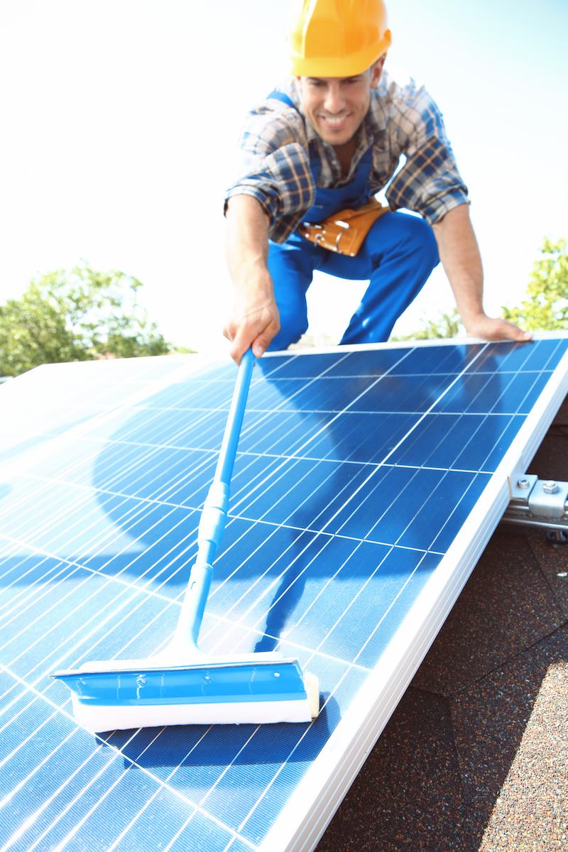 Limpieza placas solares